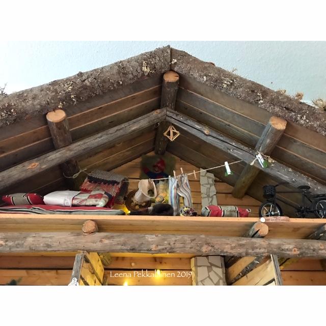 Mr. Mummific travel blog - hiding in the attic